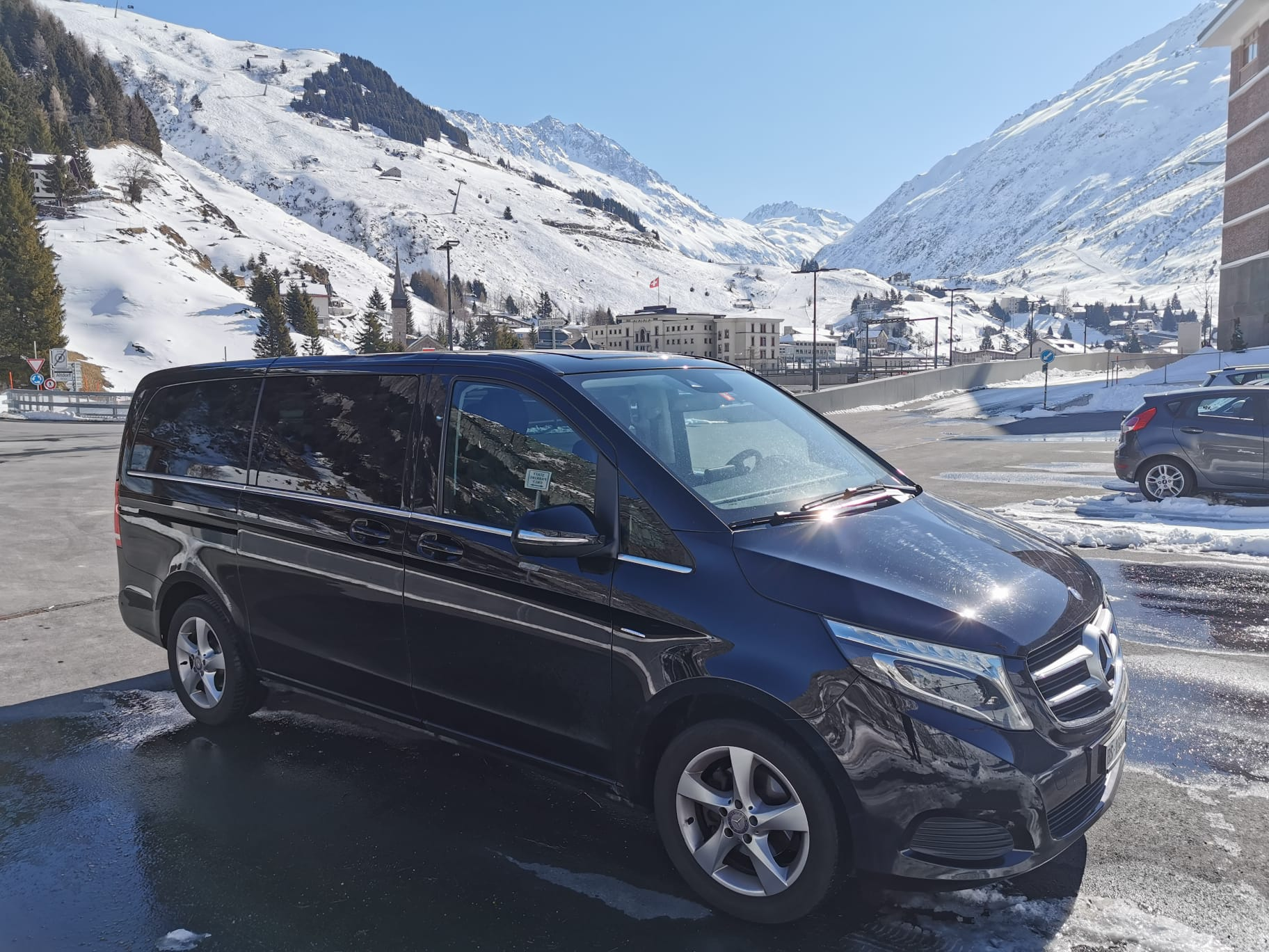 book this ski taxi and enjoy your transfer from zurich airport to klosters